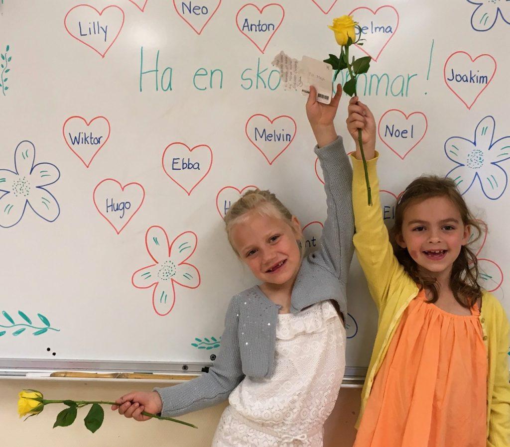 Maja Lundh och Lilly Stenberg önskar alla en skön sommar.
