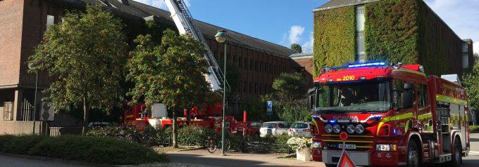 Pengar till nya brandbilar saknas Räddningschefen slutar
