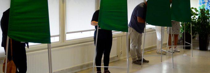 Stort intresse och långa köer till vallokalerna